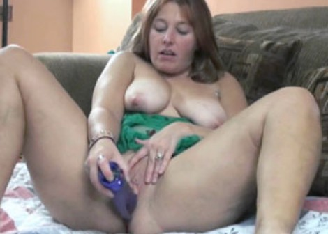 Liisa in green lingerie and fucking a toy